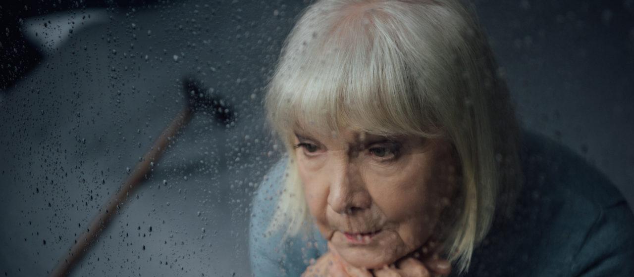 Depresja bardzo często towarzyszy chorobie Alzheimera.