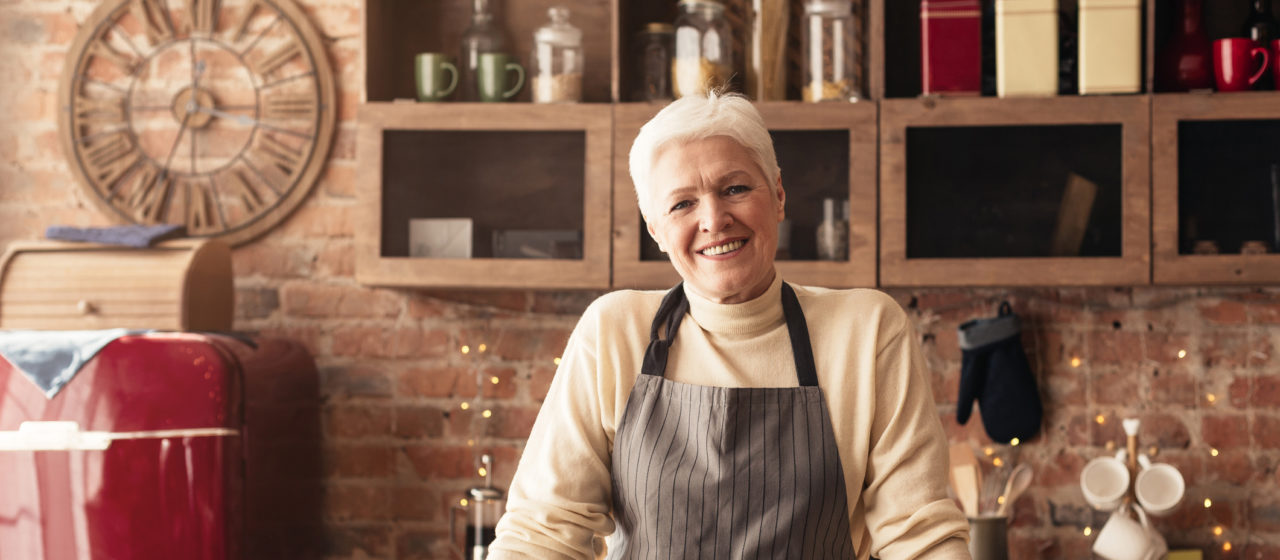 Żywienie osób starszych wymaga odpowiedniego podejścia.