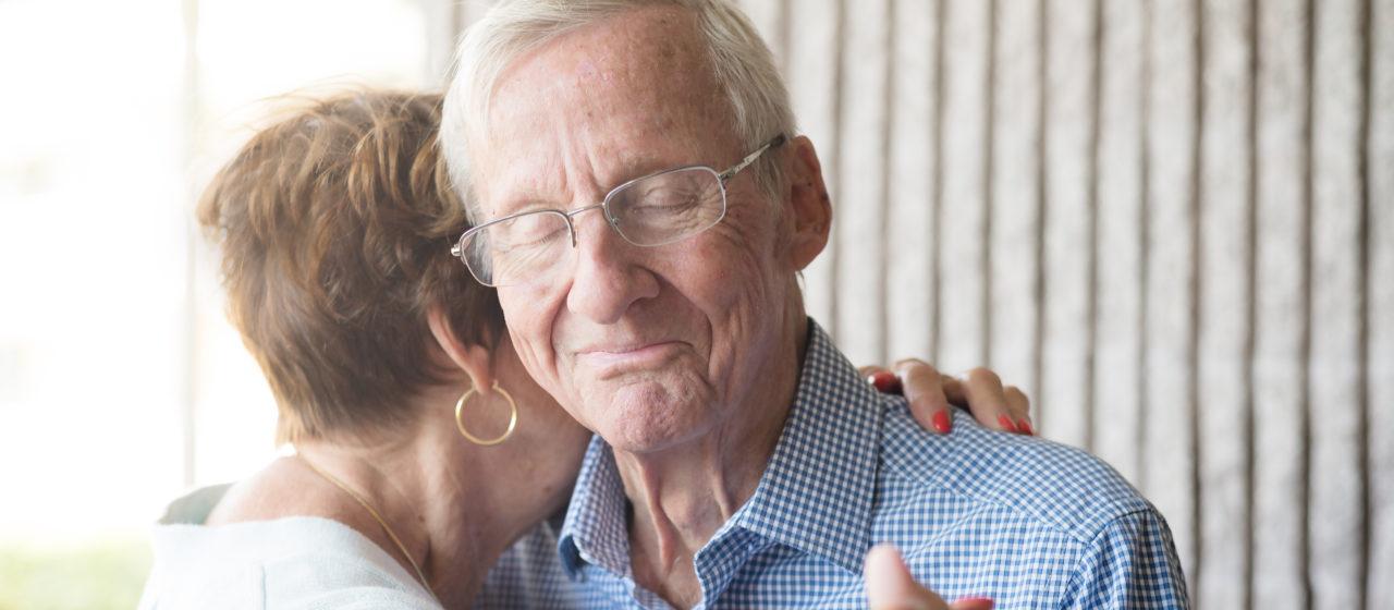 Choroba Alzheimera jest trudna dla osób bliskich pacjenta.