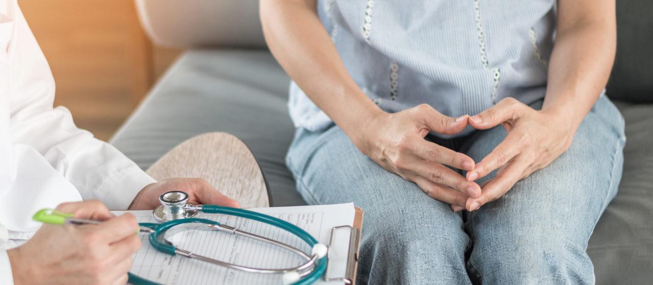 Zespół stresu opiekuna może pojawić się przy sprawowaniu opieki nad osobą chorą na Alzheimera.