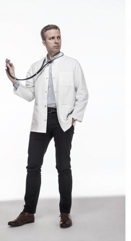 dr n. med. Rafał Becht ze stetoskopem